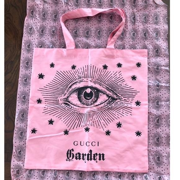 58f06f7ad1c2e3 Gucci Bags | Exclusive Authentic Pink Garden Bag | Poshmark
